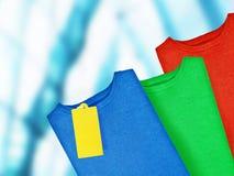 有标签的五颜六色的套头衫 库存图片