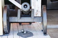 有核心的布朗小的老大炮在轮子 库存图片