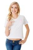 有桃红色乳腺癌了悟丝带的妇女 免版税库存图片
