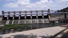 有桥梁的KrP水坝 库存照片