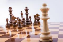 有棋子的棋盘 免版税库存图片