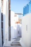 有楼梯的传统希腊房子在Emporio 免版税库存图片