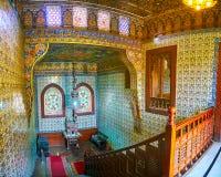 有楼梯的, Manial宫殿,开罗,埃及铺磁砖的大厅 库存图片