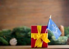 有欧洲联盟标志的一点礼物盒 库存照片