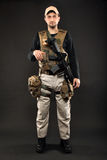 有步枪的战士 免版税图库摄影
