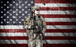 有步枪的战士 免版税库存图片