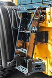 有步的台阶在拖拉机 免版税图库摄影