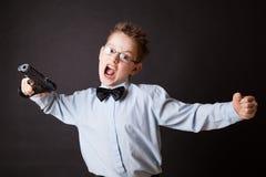 有武器的一个小男孩 库存照片