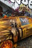 有气刷的被击毁的汽车 库存照片