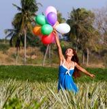 有气球的女孩 例证百合红色样式葡萄酒 库存照片
