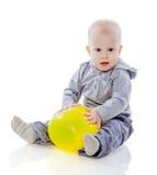 有气球的男孩 免版税库存照片