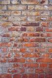 有水泥的老葡萄酒红砖墙壁缝合纹理 库存图片