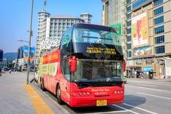 有汉城观光的公共汽车的Dongdaemun区2017 6月18日i 免版税库存照片