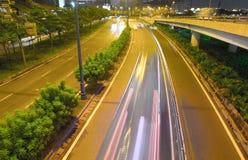 有汽车的胡志明市夜高速公路 免版税图库摄影