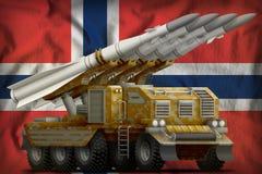 有沙子伪装的作战短程弹道导弹在挪威国旗背景 3d例证 免版税库存图片