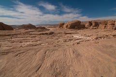 有沙子和太阳的西奈沙漠在蓝天下在12月 图库摄影