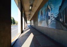 有没人的都市艺术隧道 库存图片