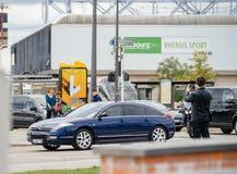 有法国总统的豪华雪铁龙C6大型高级轿车里面在期间 免版税图库摄影