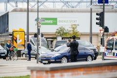 有法国总统的豪华雪铁龙C6大型高级轿车里面在期间 图库摄影