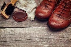 有波兰辅助部件的鞋子 免版税图库摄影