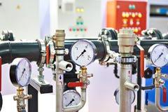 有测压器的工业设备 库存照片