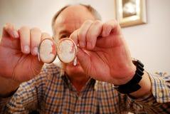 有浮雕的贝壳工匠在蒂沃利,意大利 免版税库存照片