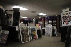 有海报大减价的学院校园 免版税库存图片