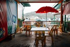 有海的老餐馆在南丫岛索罟湾鱼村庄在香港 免版税库存图片