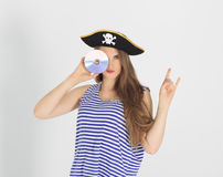 有海盗cd或dvd盘的好少妇 库存图片
