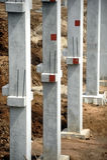 有混凝土桩的建造场所 免版税库存图片