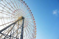 有清楚的蓝天的大弗累斯大转轮 库存图片