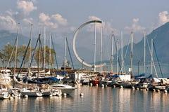 有游艇的小游艇船坞在莱芒湖在洛桑在瑞士 库存图片