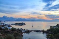有湖的Datca海口在日出期间 免版税库存照片