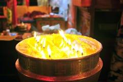 有火焰的黄油灯 库存照片