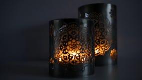 有灼烧的蜡烛的两个装饰灯笼 股票录像