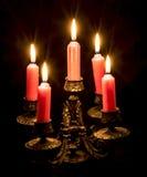 有灼烧的蜡烛的烛台 免版税图库摄影