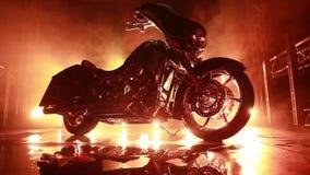 有烟和光线的摩托车 股票录像