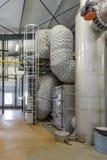 有热和力量的联合的生产的能源厂 免版税库存图片