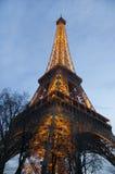 有照明的艾菲尔铁塔 库存图片