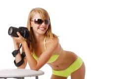 有照相机的愉快的女孩 免版税库存照片