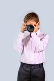 有照相机的(03)男孩 免版税库存图片