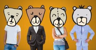 有熊动物顶头面孔的人们 免版税库存图片