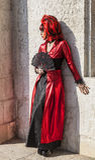 有爱好者的假装的妇女-威尼斯狂欢节2012年 免版税库存照片