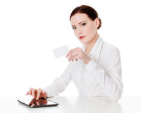 有片剂计算机的妇女 免版税库存图片