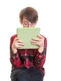 有片剂计算机的青少年的男孩 库存图片