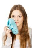 有牙痛的青少年的妇女 库存图片