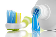 有牙膏的牙刷 免版税图库摄影