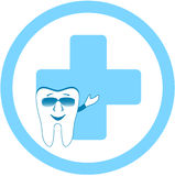 有牙齿诊所符号的牙 库存图片