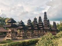 有独特的屋顶的巴厘岛寺庙 免版税图库摄影