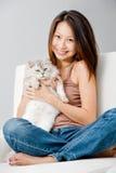 有猫的妇女 免版税库存图片